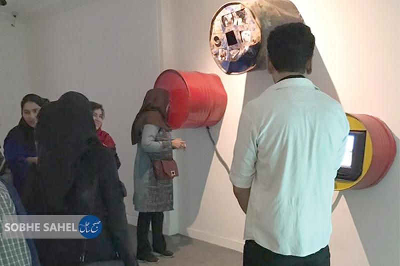 نمایشگاه گروهی «این آینه» در بندرعباس برگزار شد