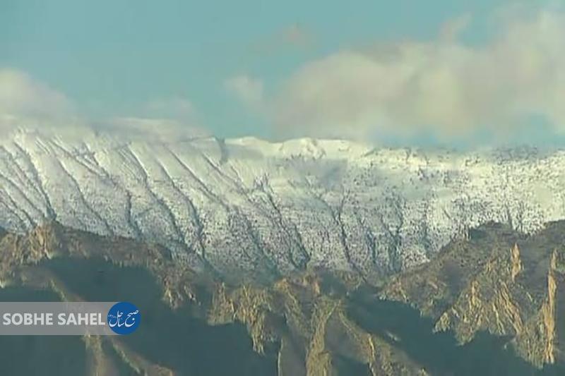 بارش برف در ارتفاعات حاجی آباد هرمزگان