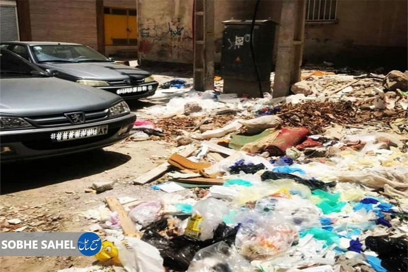 با پیگیریهای صبح ساحل در خصوص عدم جمعآوری زبالهها؛ شهرداری بندرعباس سرانجام به وظیفه خود عمل کرد