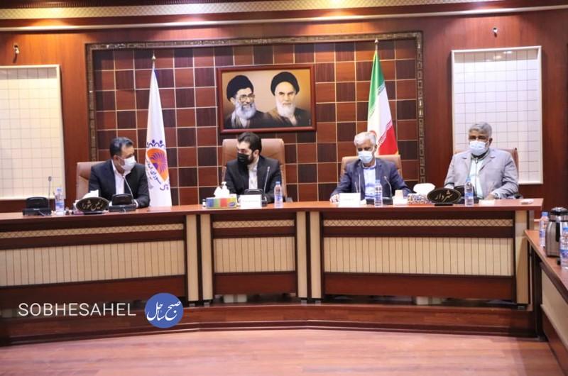 دیدار رئیس شورای عالی استان ها با اعضای شورای شهر بندرعباس